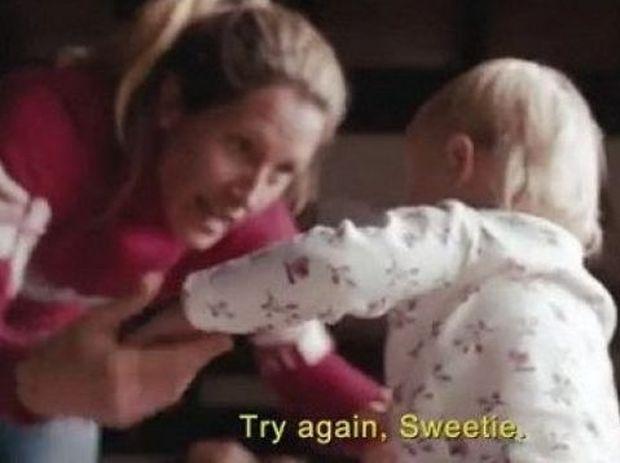 Μητέρα: Ο πιο πιστός «οπαδός» του παιδιού! Δείτε το βίντεο που έχει ξεπεράσει τα 2,6 εκατομμύρια κλικ!