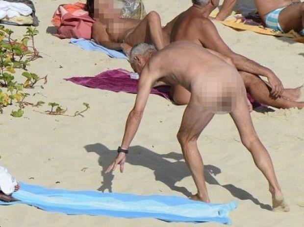 Όλοι τριγύρω γυμνοί και το διάσημο ζεύγος στην μέση!