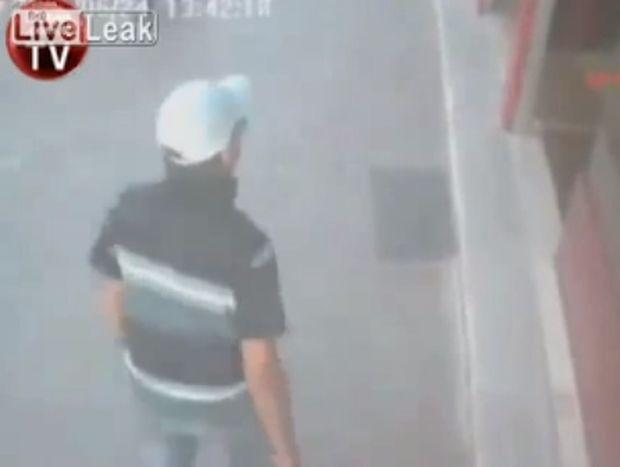 ΑΠΙΣΤΕΥΤΟ VIDEO: 12χρονος σταμάτησε ληστεία σε κοσμηματοπωλείο