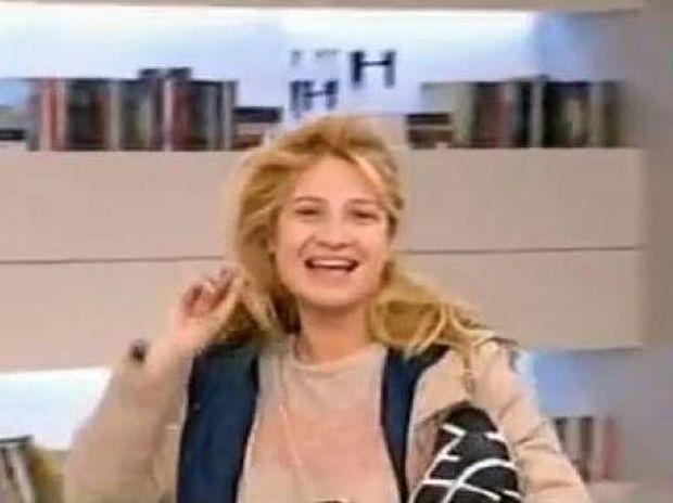 Η Φαίη Σκορδά άργησε και εμφανίστηκε εντελώς αμακιγιάριστη στο Πρωινό!