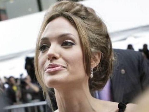 Το μυστικό της Angelina αποκαλύφθηκε: Μάθαμε γιατί έχει γίνει... σκιά του εαυτού της