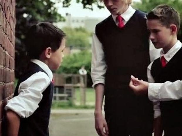 ΣΥΓΚΙΝΗΤΙΚΟ VIDEO: Μάθημα ζωής με παιδί… θύμα ψυχολογικής και σωματικής βίας