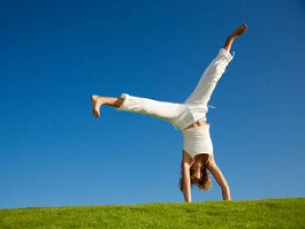 Δέκα συμβουλές για να γεμίσουμε θετική ενέργεια