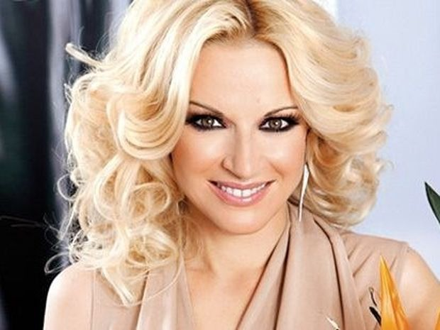 Ζώδια και αστέρια: Μαρία Μπεκτατώρου: «Σοκαρίστικα όταν έμαθα από το τηλέφωνο ότι…»