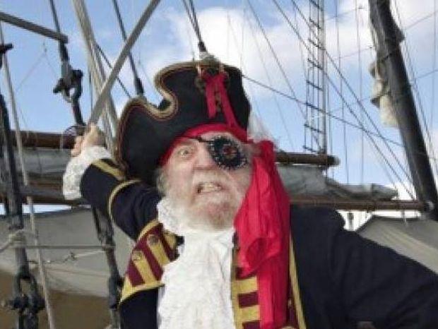 Το ΄ξερες; Γιατί κάλυπταν οι πειρατές το ένα τους μάτι;