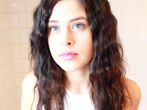 Το κορίτσι που τραγουδά 14 διαφορετικά είδη μουσικής (βίντεο)