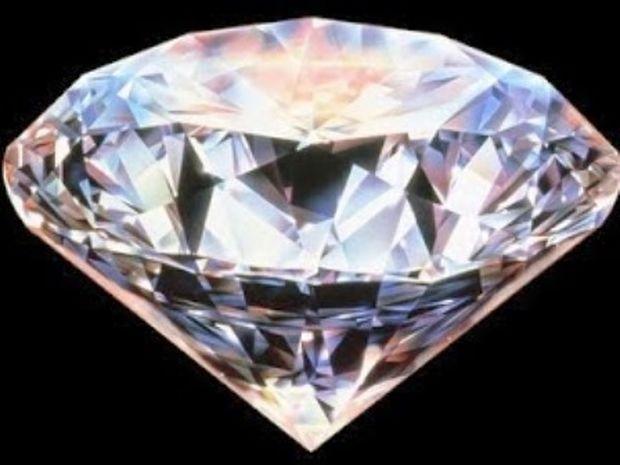 5 θρυλικά πετράδια και οι καταραμένες ιστορίες τους