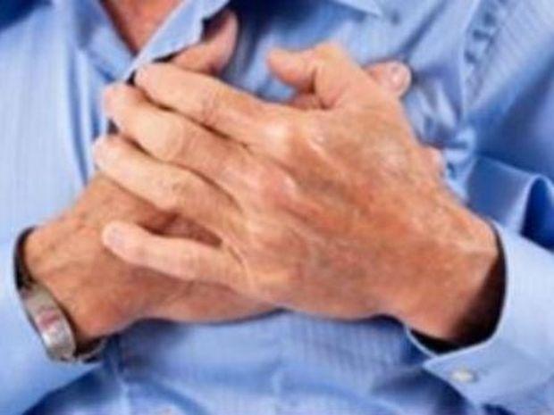 Πώς να επιβιώσετε από καρδιακή προσβολή όταν είστε μόνοι