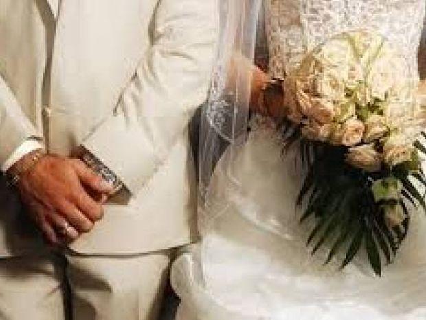 Οι 10 εντολές της μάνας στον γιο της πριν παντρευτεί