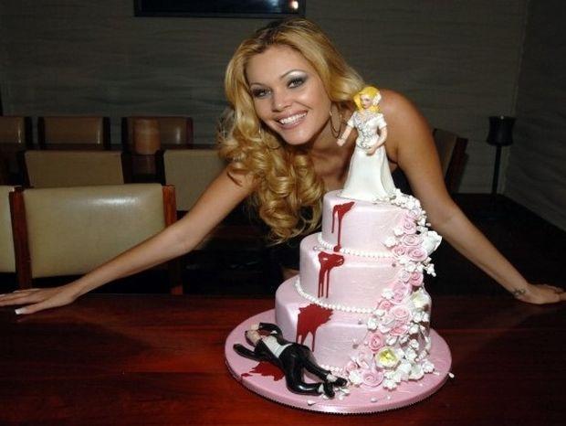 Νέα μόδα τα πάρτι διαζυγίου στα ζευγάρια! Δείτε μια τελετή (video)