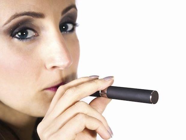Το ηλεκτρονικό τσιγάρο βοηθάει στη διακοπή του καπνίσματος