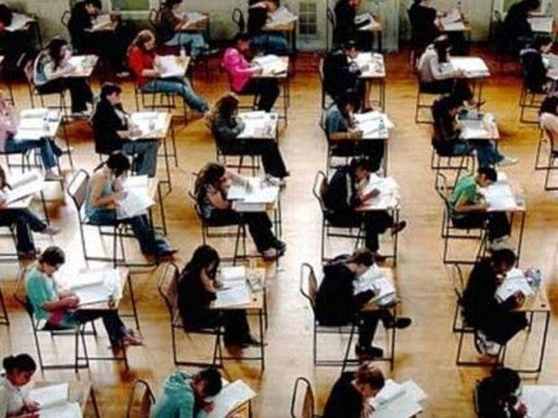 Απίστευτο κόλπο για να γράψεις καλά στις εξετάσεις! (βίντεο)