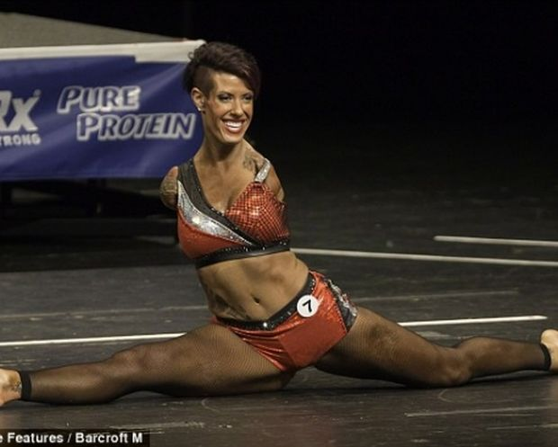 Barbie Thomas: Η 37χρονη body-builder χωρίς χέρια