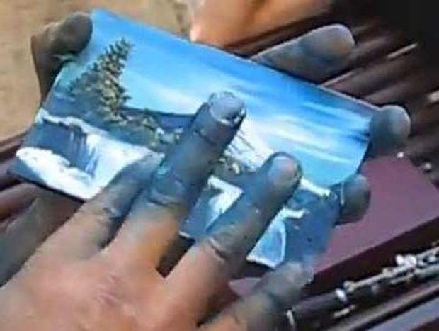 ΑΠΙΣΤΕΥΤΟ VIDEO: Ο πιο γρήγορος ζωγράφος του κόσμου