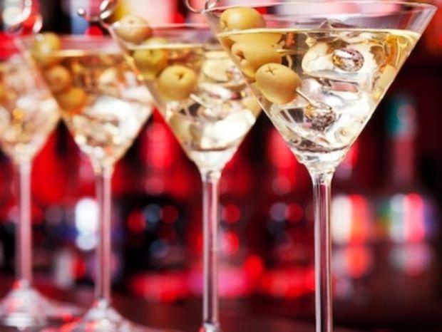 Ο καλύτερος τρόπος να πιούμε το ποτό μας χωρίς να μας πειράξει