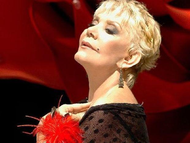 Μαρινέλλα: Η Ταύρος του Ελληνικού τραγουδιού στην αρένα της κριτικής