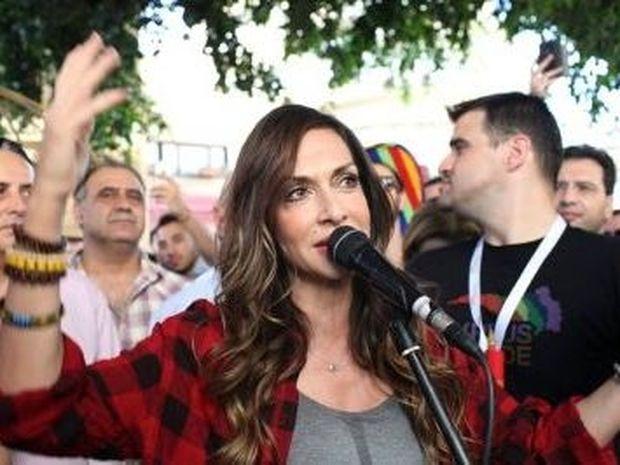 Ζώδια και αστέρια: Άννα Βίσση: Είναι gay icon ή gay; Τι απαντά η ίδια;