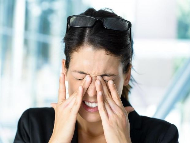 Πολλές ώρες στον υπολογιστή; Απλές συμβουλές για να προστατέψετε τα μάτια σας