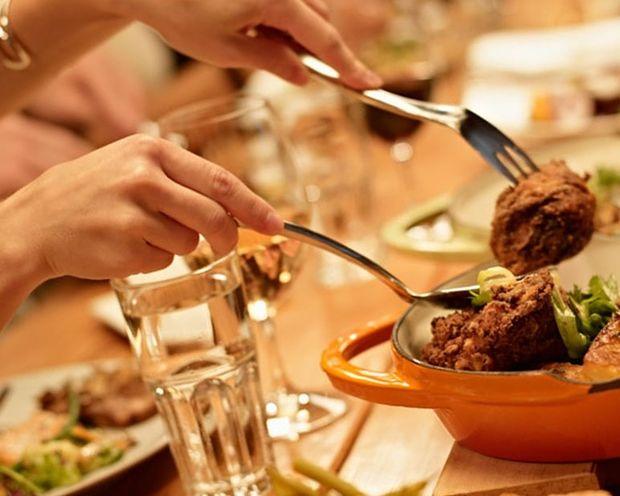 ΤΟ ΗΞΕΡΕΣ; Ποια είναι τα κόλπα των εστιατορίων για να ξοδέψουμε περισσότερα;