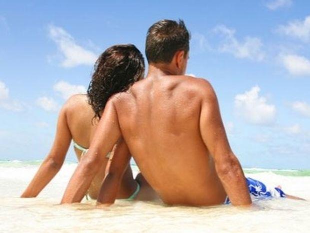 Ζευγάρι: Πότε είναι καλύτερα να κάνουμε διακοπές χωρίς τα παιδιά;
