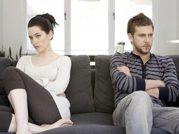 Η νευρωτική ζηλοτυπία στις σχέσεις: Τι είναι και που οφείλεται;