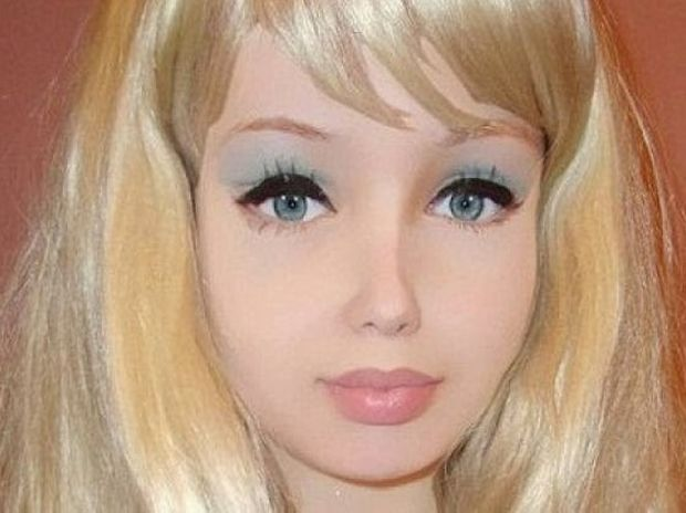 ΨΥΧΩΣΗ: 16χρονη Ουκρανή έχει γίνει μια κούκλα Barbie! (εικόνες)