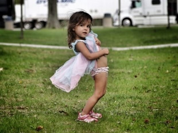 Ο πατέρας που φωτογράφισε την κόρη του και δέχτηκε σωρεία αντιδράσεων (pics)