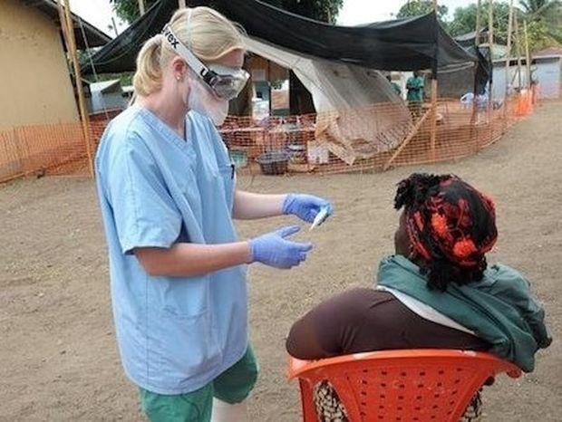 Πως μεταδίδεται ο ιός Έμπολα και ποιοι πρέπει να προσέχουν;