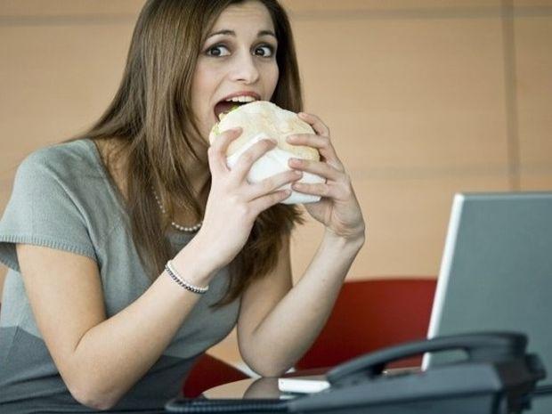 Τι να τρώω στο γραφείο για να μην παχύνω; 10 ιδέες!
