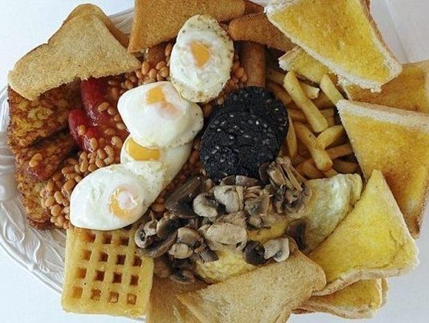 ΣΟΚ: Το πρωινό των 8.000 θερμίδων!
