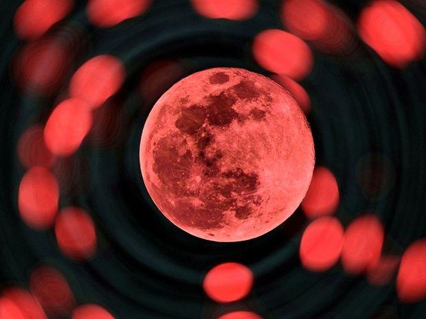 Πανσέληνος Οκτωβρίου και Σεληνιακή έκλειψη στον Κριό: Πώς επηρεάζει τα 12 ζώδια;