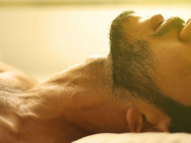 Ζώδια και Σεξ: Σημάδια ότι ένας άντρας είναι καλός στο κρεβάτι