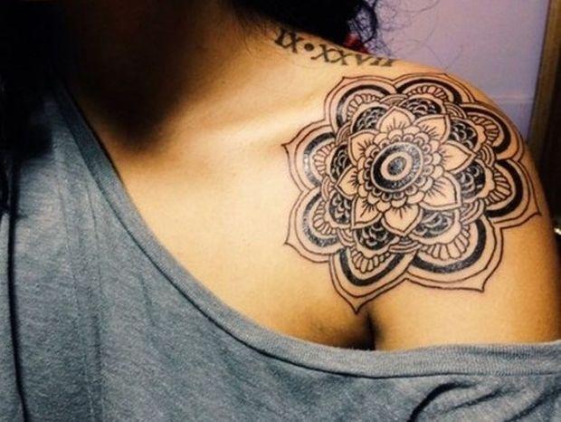 Εφηβεία: Και αν το παιδί θέλει tatoo και σκουλαρίκι;