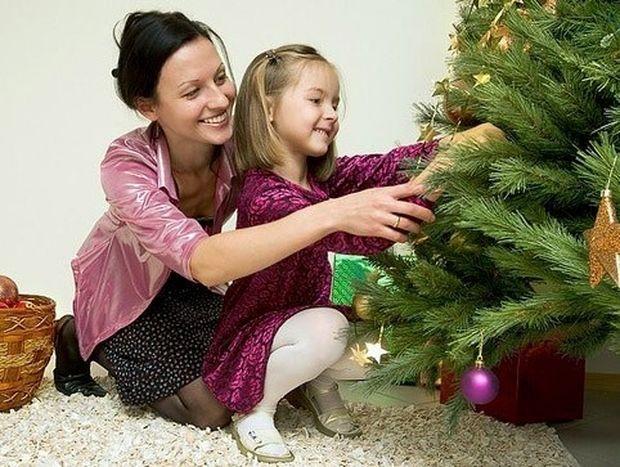 Το στόλισμα του δέντρου: Πώς να το γιορτάσεις με τα παιδιά!