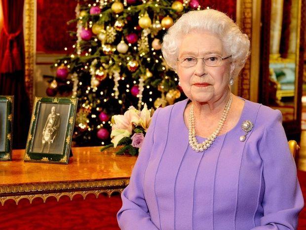 Ζώδια και αστέρια: Με τι συγκινήθηκε η βασίλισσα Ελισάβετ;
