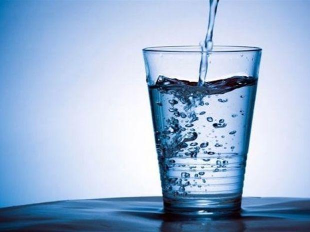 «Κατανάλωσε 8 ποτήρια νερού καθημερινά»: Μύθος ή Πραγματικότητα;