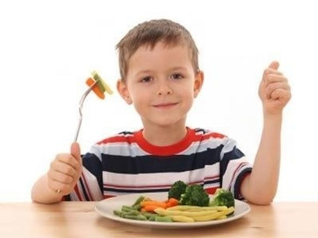 Φαγητό: Πόσο μεγάλη πρέπει να είναι η μερίδα του παιδιού;