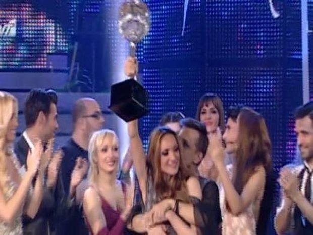 Ζώδια και αστέρια: Μορφούλα Ντώνα: Κάτι δεν πάει καλά με τη νίκη της στο DWTS5