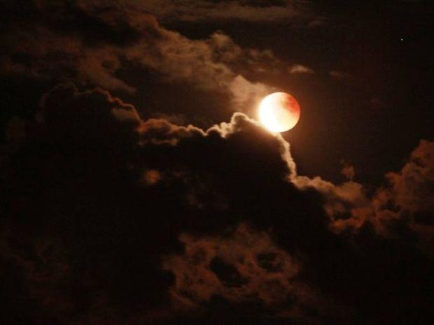 Πανσέληνος και έκλειψη Σελήνης Απριλίου 2015 στον Ζυγό: Πώς θα επηρεάσει τα 12 ζώδια