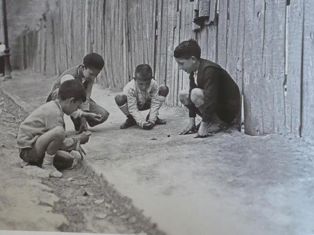 Έτσι έπαιζαν παλιά τα παιδιά όταν δεν υπήρχαν ούτε τηλέφωνα, ούτε videogames, ούτε διαδίκτυο