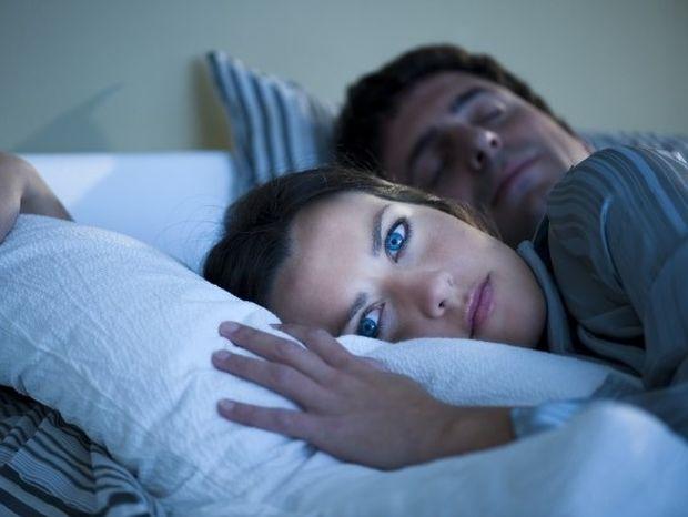 Αϋπνία: Με ποιες παθήσεις συνδέεται;