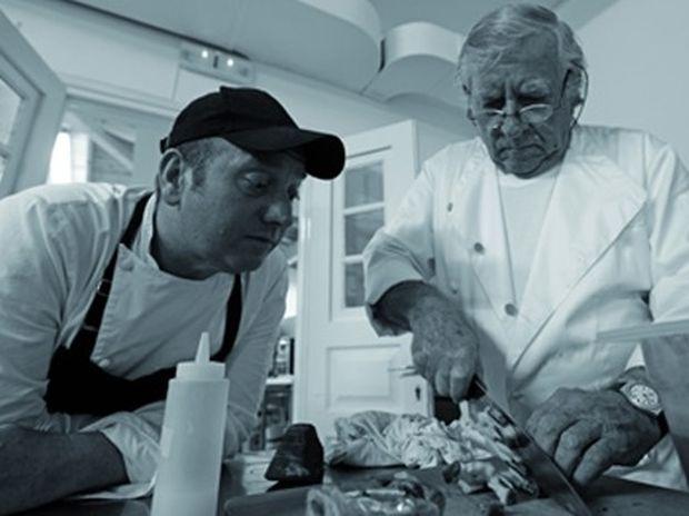 Έκτορας Μποτρίνι: Ο σεφ που σάρωσε τα βραβεία στους Χρυσούς Σκούφους