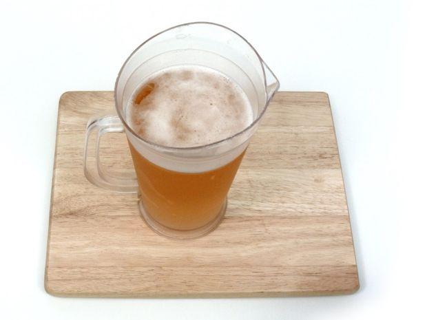 Δείτε πώς μπορείτε να κρυώσετε άμεσα μια ζεστή μπύρα! Έξυπνο! (βίντεο)
