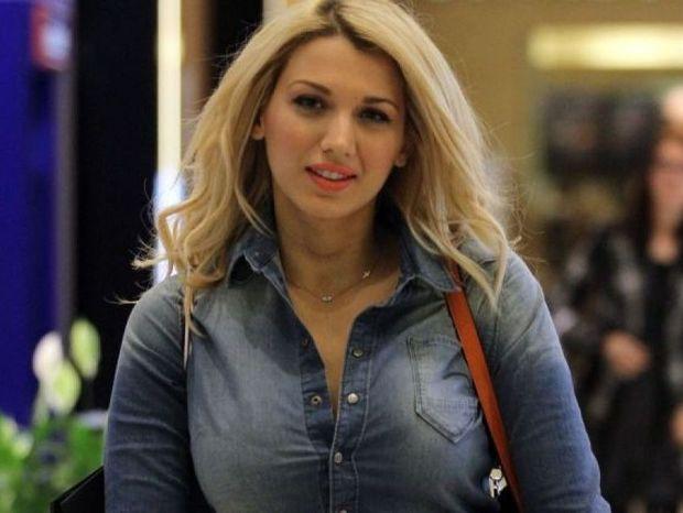 Ζώδια και αστέρια: Ποιος και γιατί ζήτησε δημόσια συγνώμη από την Κωνσταντίνα Σπυροπούλου;