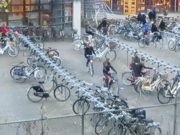 Δείτε τι συμβαίνει στις 8.30 το πρωί στα σχολεία της Ολλανδίας (βίντεο)