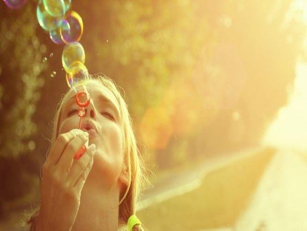 Ευτυχία: 15 τρόποι να τα βρεις ξανά με τον εαυτό σου