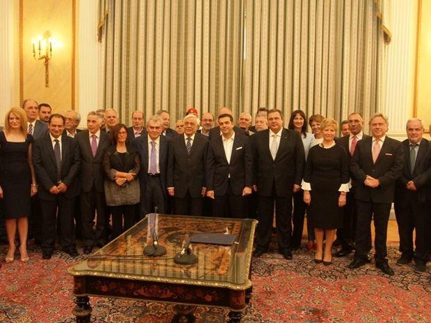 Ορκωμοσία: Τι δείχνουν τα άστρα για το μέλλον της νέας κυβέρνησης;