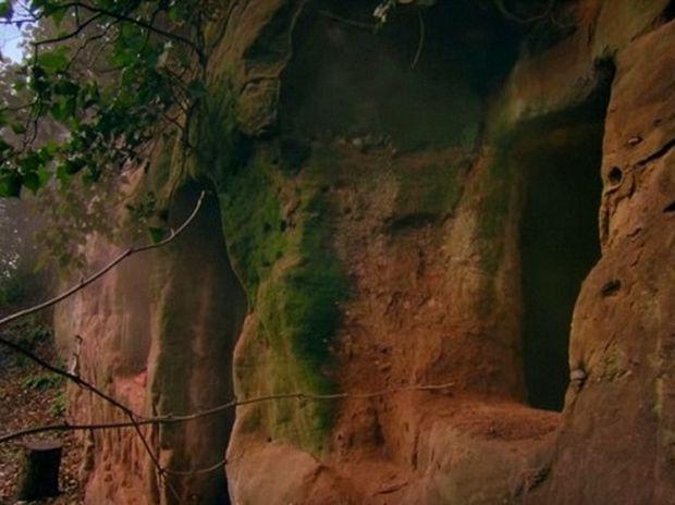 Απίστευτο! Δε φαντάζεστε τι κρύβει στο εσωτερικό της αυτή η σπηλιά 800 ετών! (photos)