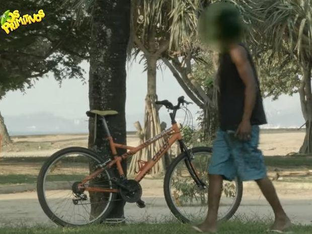 Μια του κλέφτη, δυο του κλέφτη… Δείτε τι έπαθαν όταν έβαλαν στο μάτι αυτό το ποδήλατο! (video)