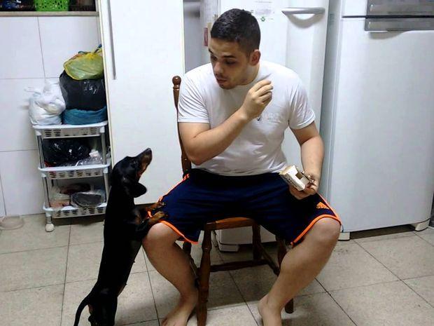 Αντίστροφη ψυχολογία! Ο πιο έξυπνος τρόπος για να ξεγελάσετε το σκύλο σας! (video)